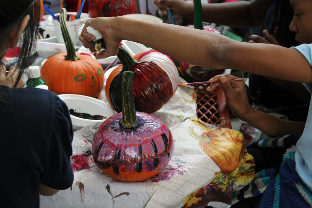 2-fall-fest-pumpkin-painting